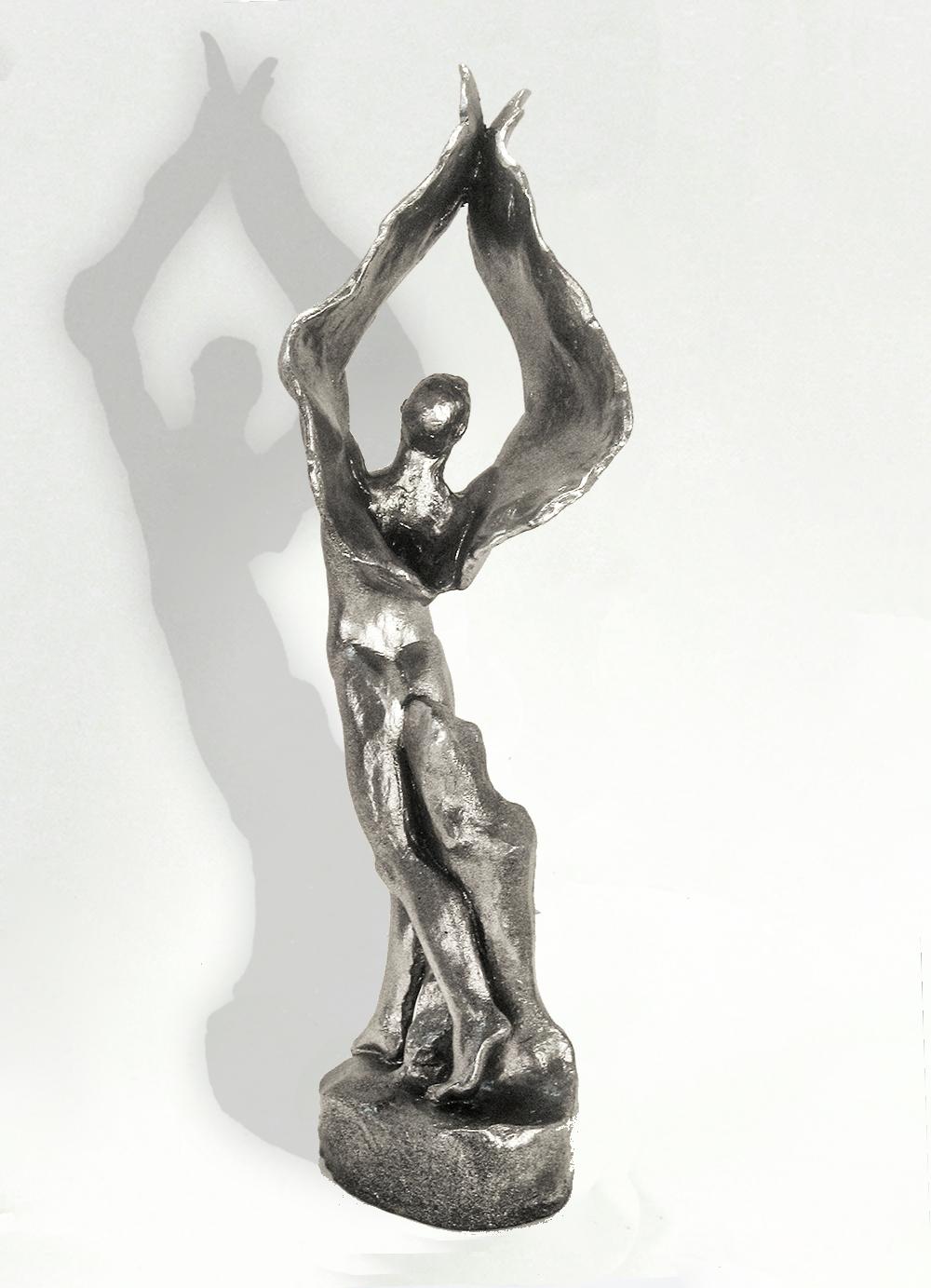 Escultura-Arcangel-D-Figurativo-Realista-RD.Escultor