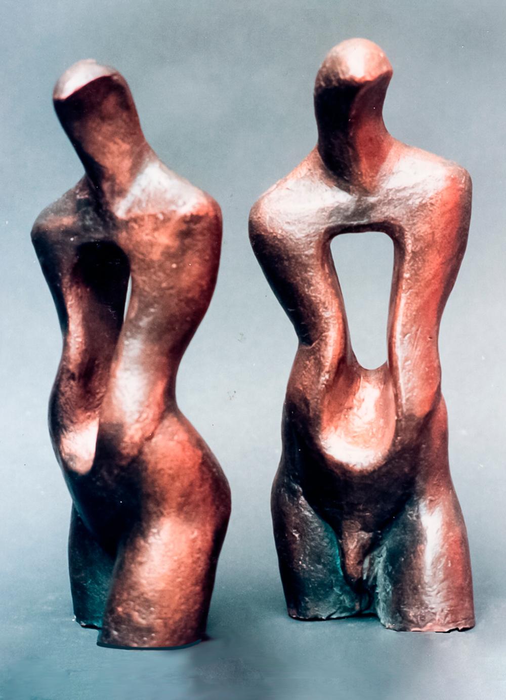 Escultura-El-abrazo-2-B-Figurativo-Abstracto-RD.Escultor