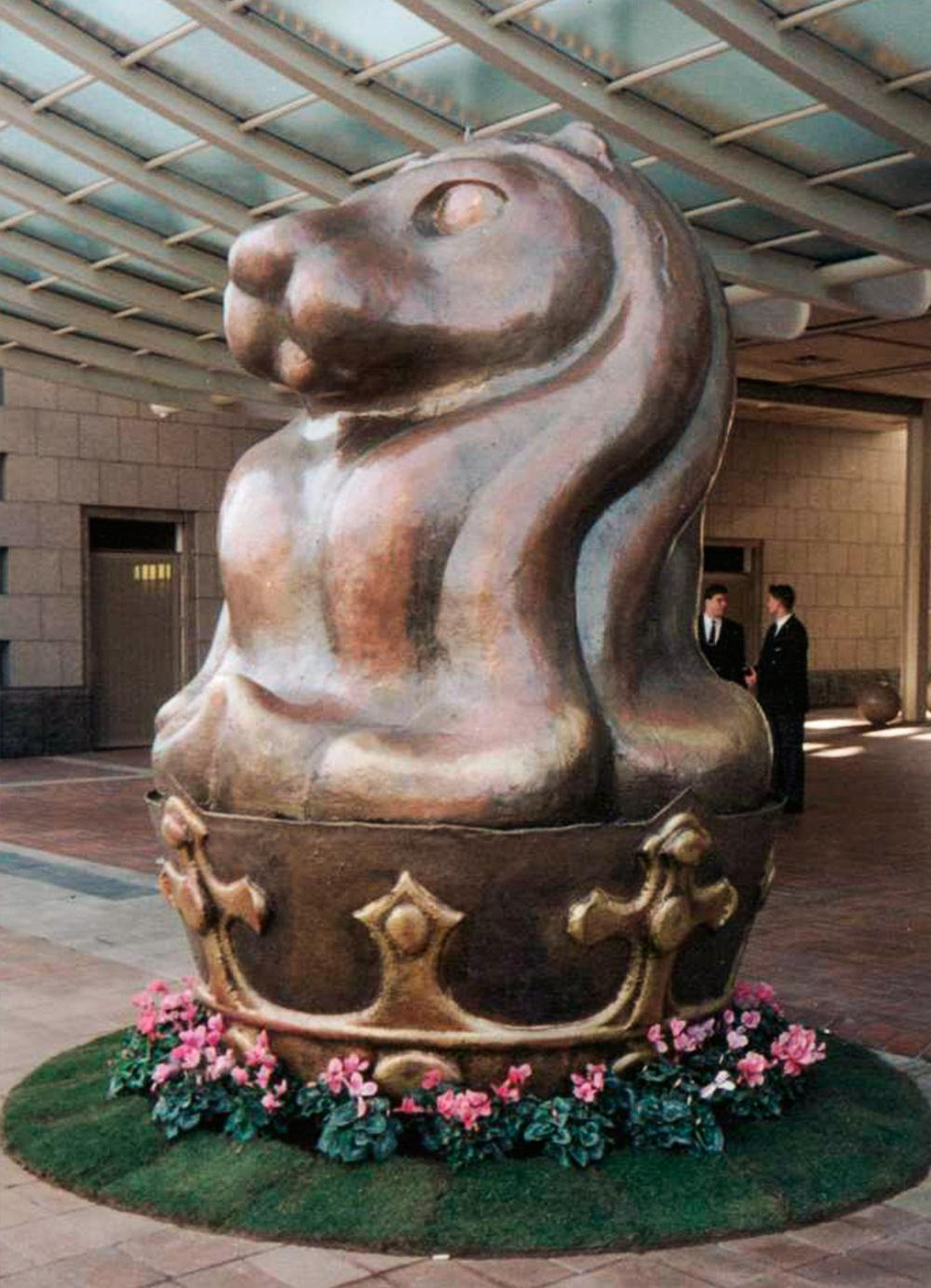 Escultura-Encargos-Hotel-Arts-C-RD.Escultor