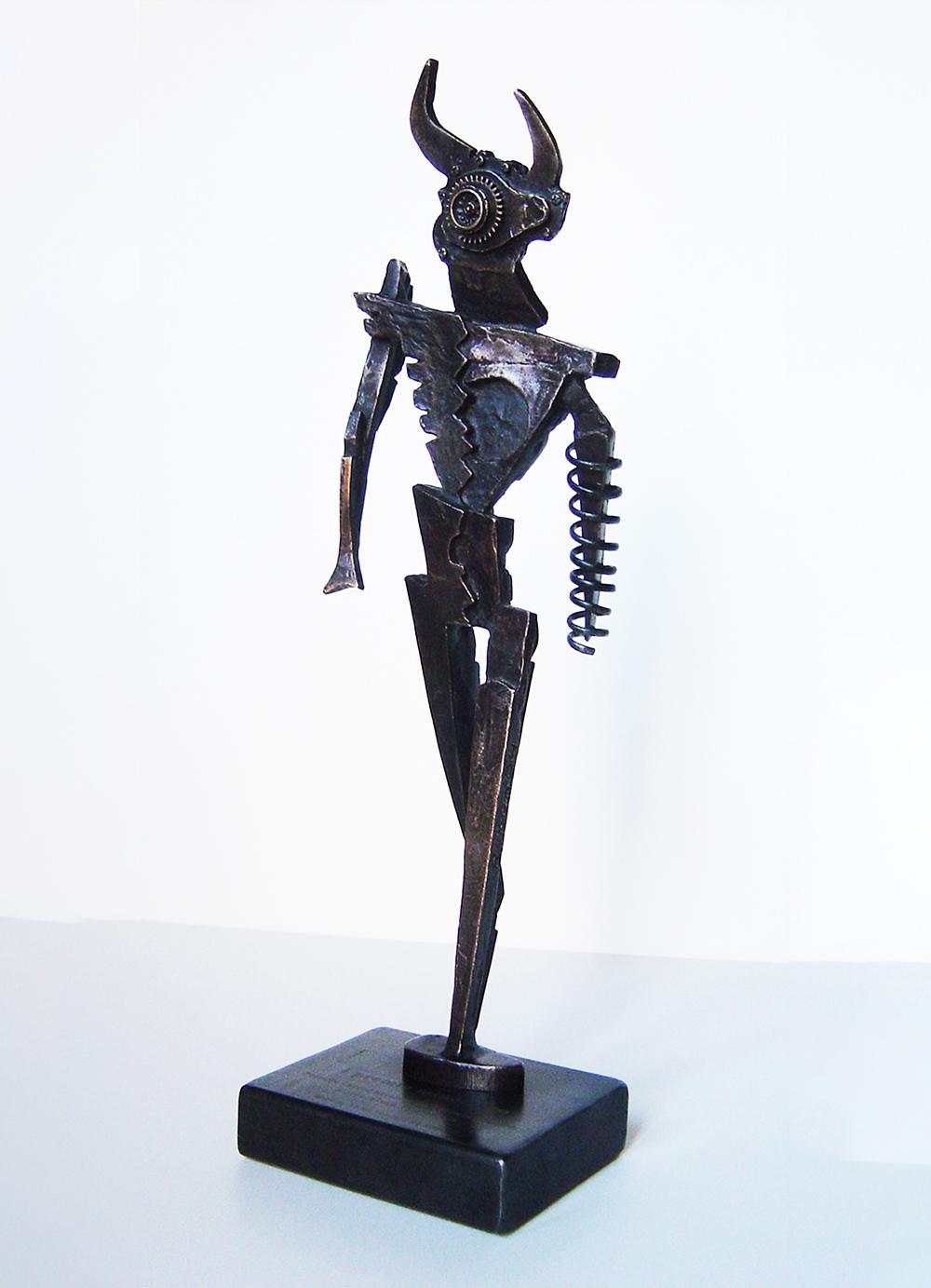 Escultura-Minotauro-B-Encargos-RD.Escultor