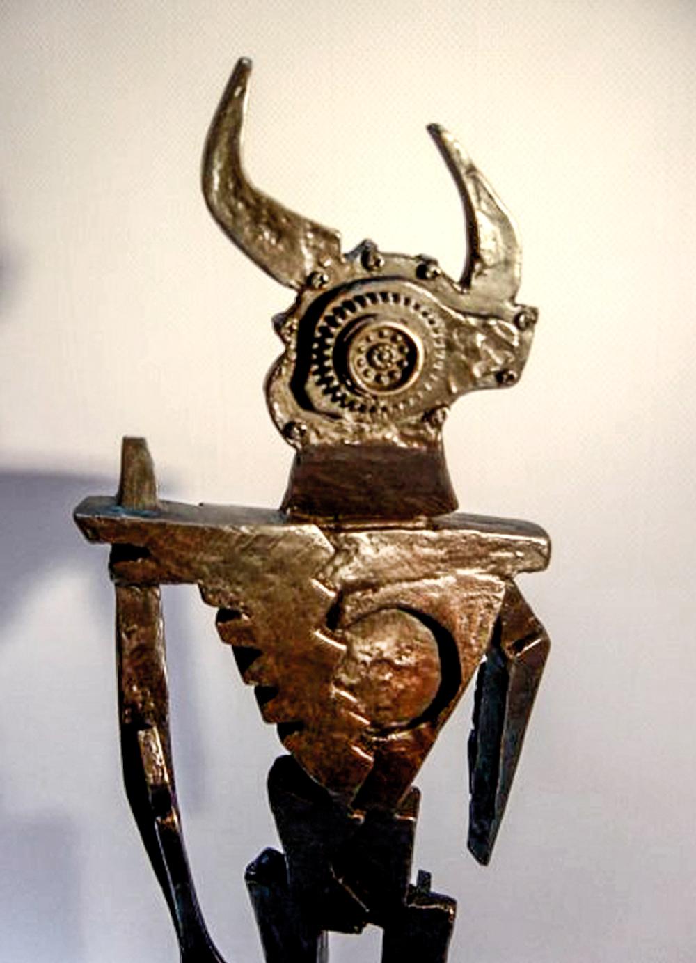 Escultura-Minotauro-C-Encargos-RD.Escultor