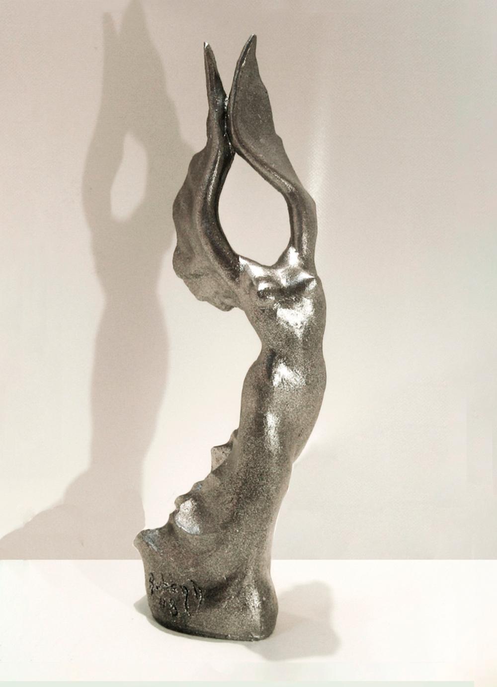 Escultura-Petit-Victoria-A-Figurativo-Abstracto-RD.Escultor