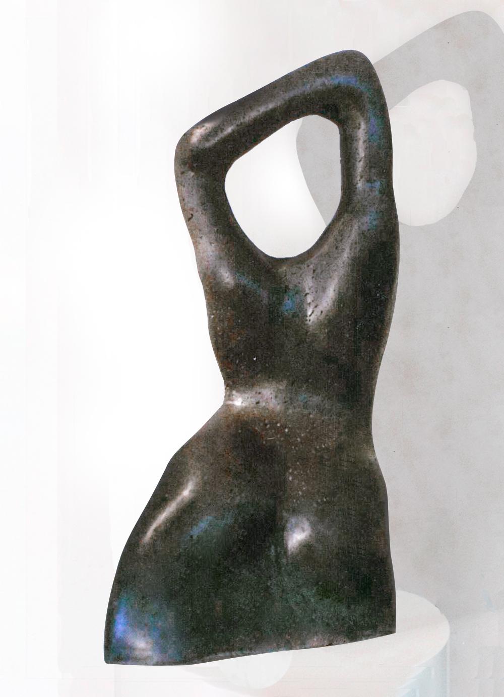 Escultura-Torso-Femenino-Basalto-B-Figurativo-Abstracto-RD.Escultor