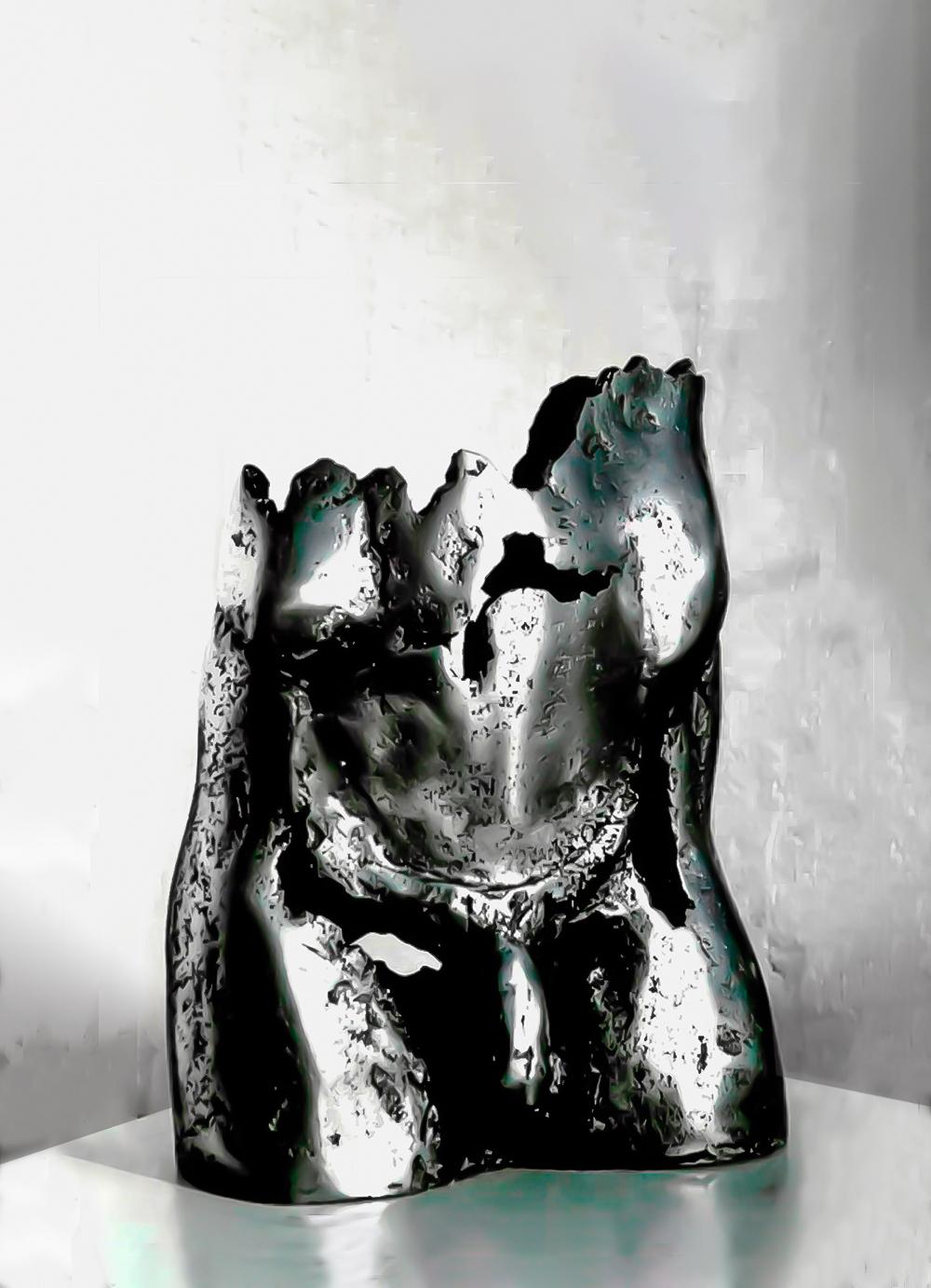 Escultura-Pelvis-Aluminio-A-C.Danone-RD.Escultor