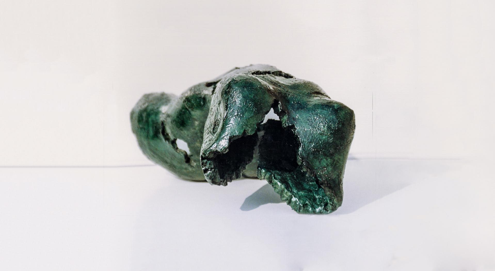 Escultura-Torso-Femenino-3-Bronce-A-C.Danone-RD.Escultor