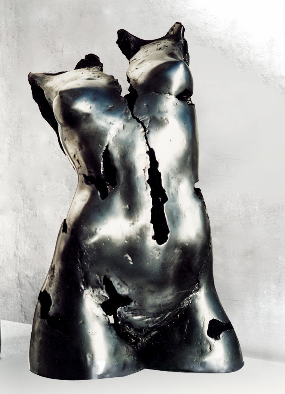 Escultura-Torso-Femenino-Aluminio-A-C.Danone-RD.Escultor