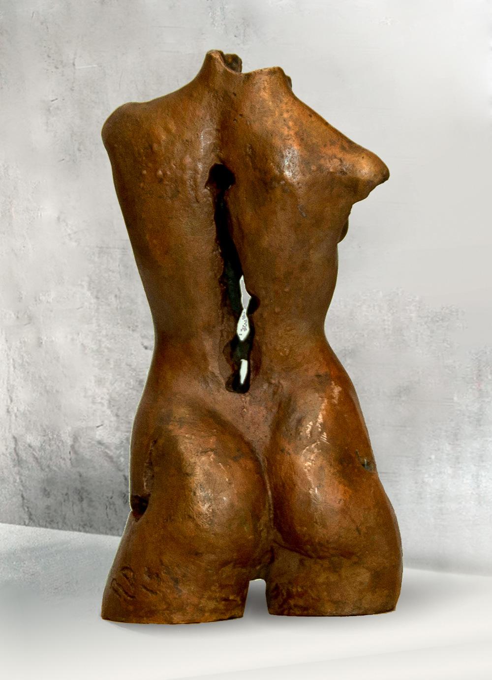 Escultura-Torso-Femenino-Bronce-C-C.Danone-RD.Escultor