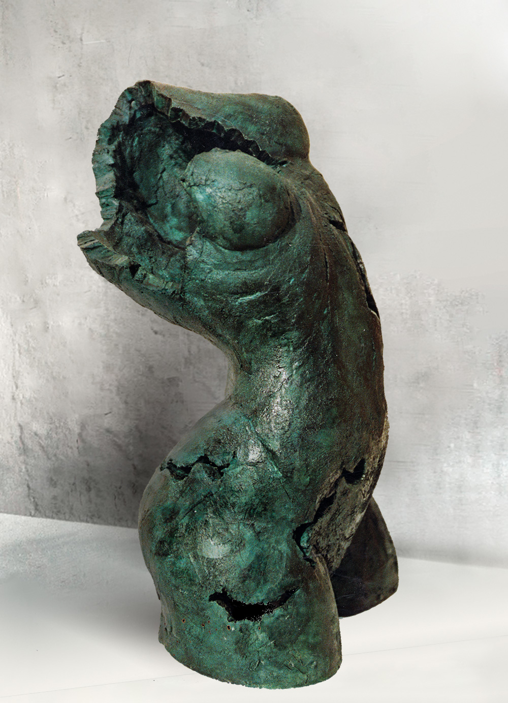 Escultura-Torso-Femenino-Oxido-Verde-A-C.Danone-RD.Escultor
