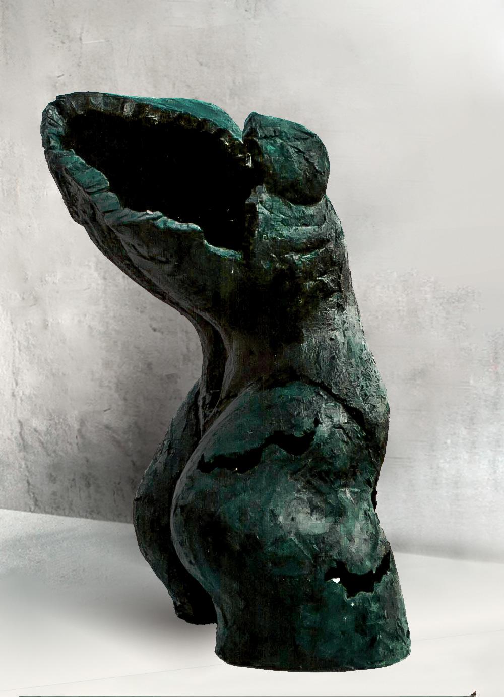 Escultura-Torso-Femenino-Oxido-Verde-C-C.Danone-RD.Escultor